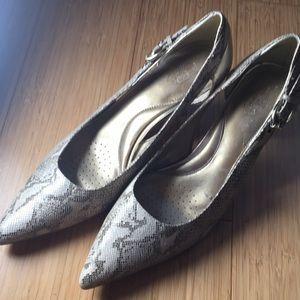 Circa Joan and David snakeskin size 10 shoes